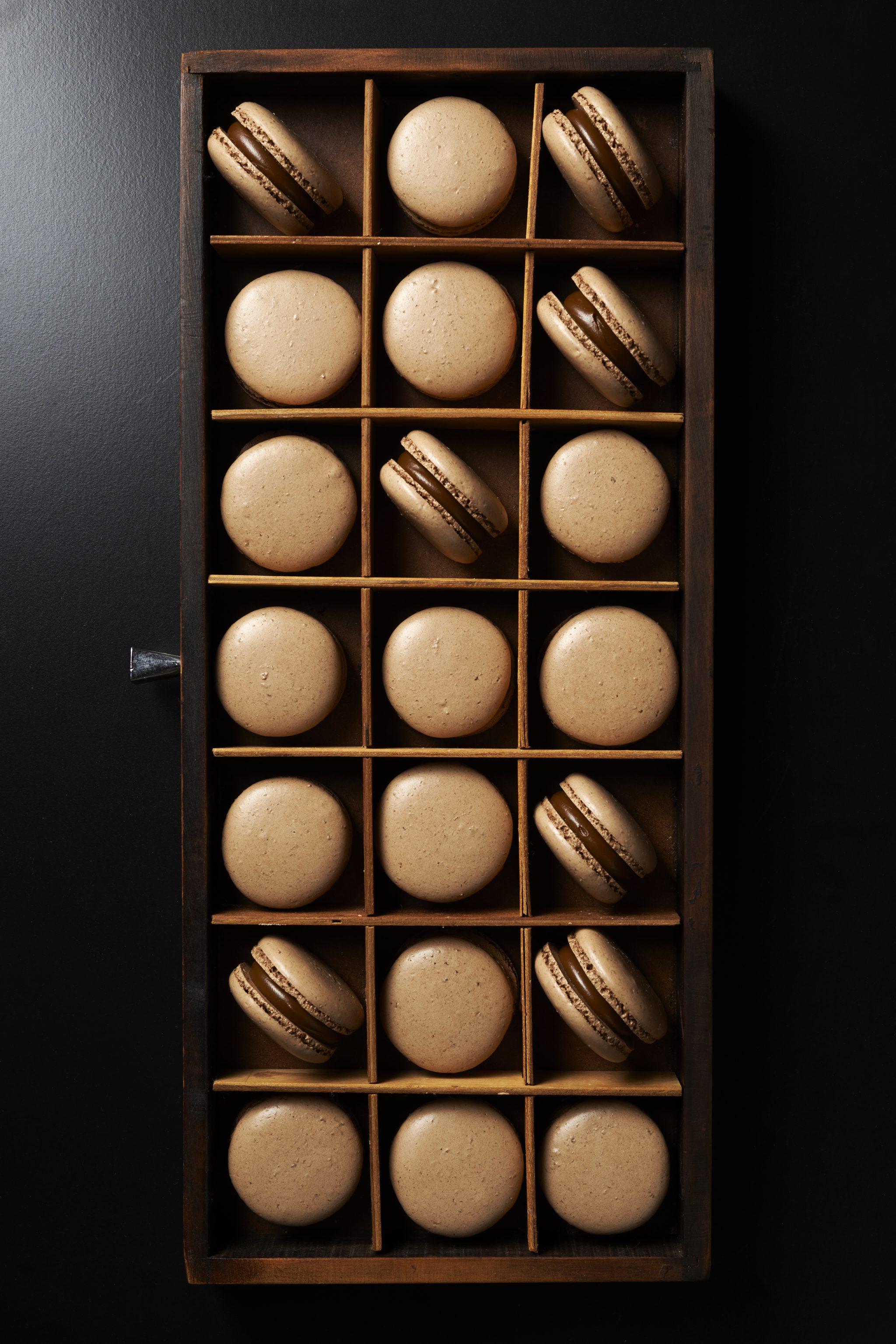 Macaron de cacao y dulce de leche